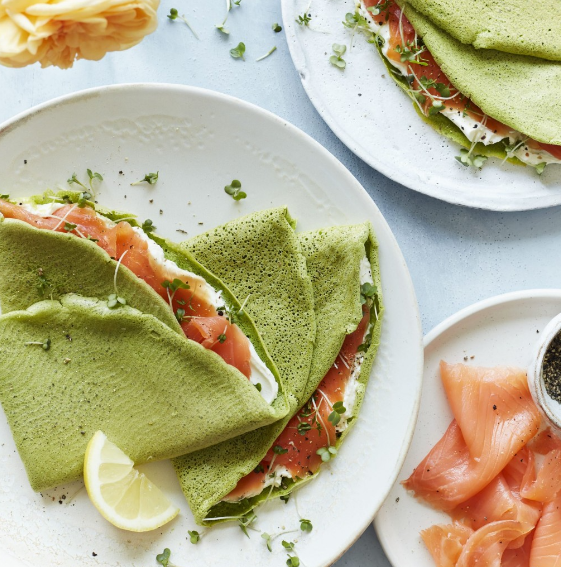 Spinach and salmon wraps
